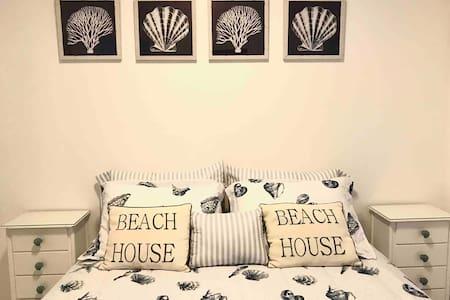Casa em cond fechado em Maresias em frente à praia