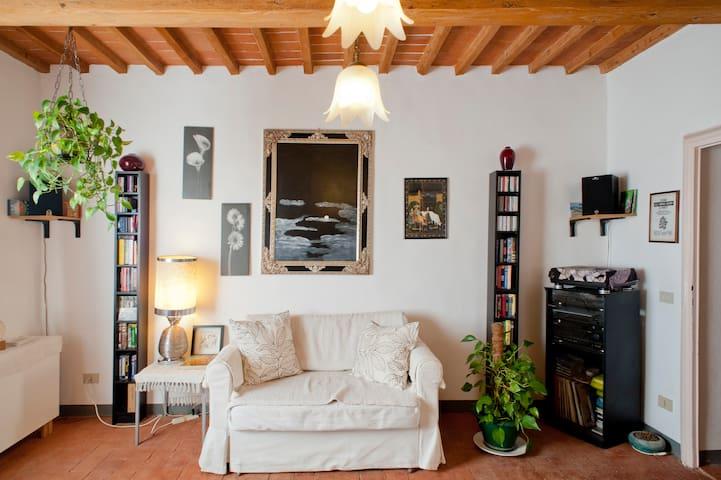 Toscana Flat - Agnano - Leilighet