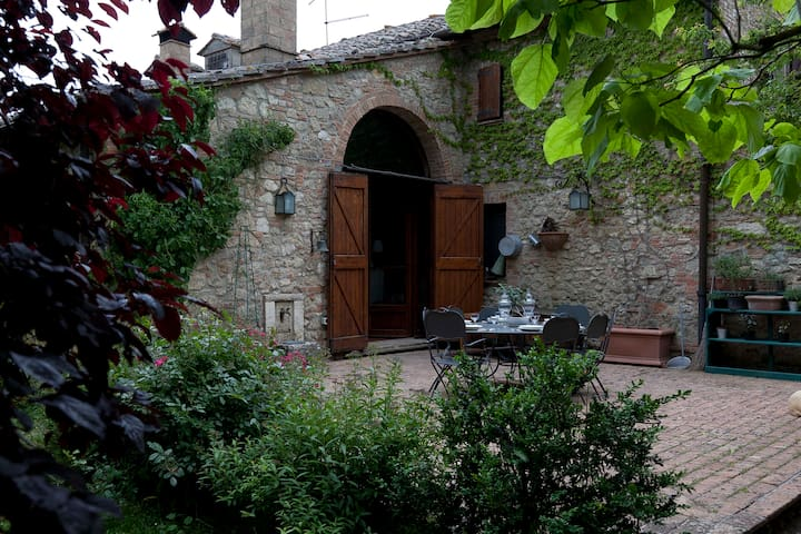TUSCANY COUNTRY HOUSE AND TRADITIONAL CUISINE - Cetona - Villa