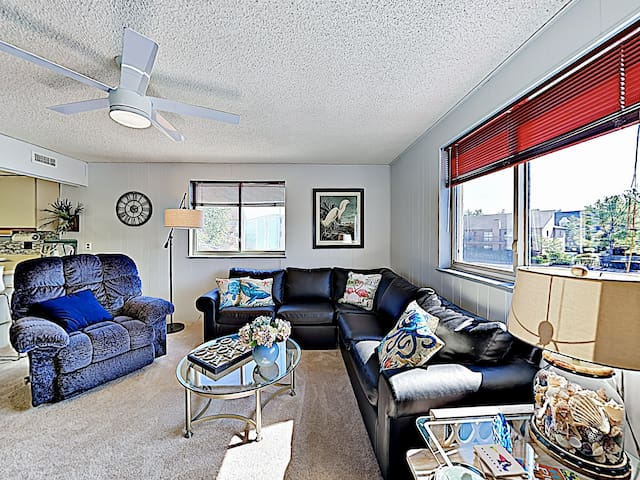 New Listing! Coastal Condo w/ Pool - Walk to Waves