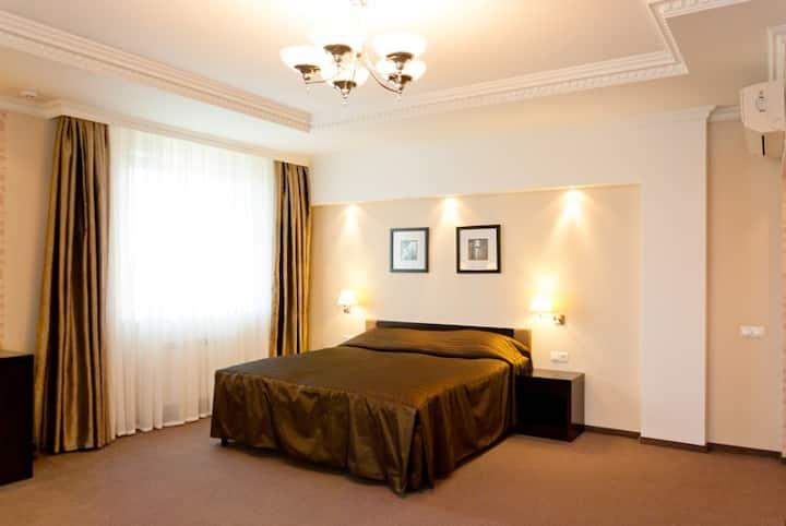 «Deluxe» hotel room in Chernigov!