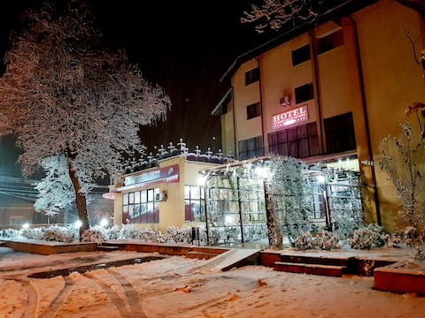 Hotel Tata Si Fii Single Room 'Breakfast included'