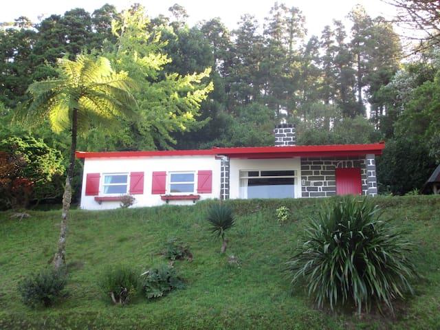 Furnas Lake Cottage