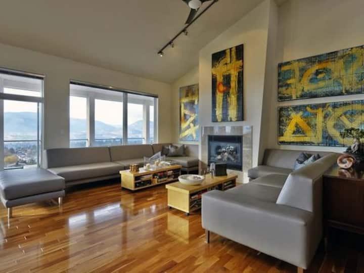 Super Modern Home, Spectacular View