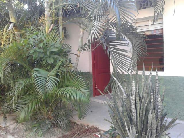 Habitación ECO 2 personas y garage - Santa Marta, Magdalena, CO - Cabane