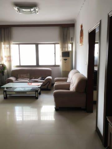 体育公园附近二室房,环境很好,很适合居住 - Chengdu - Casa