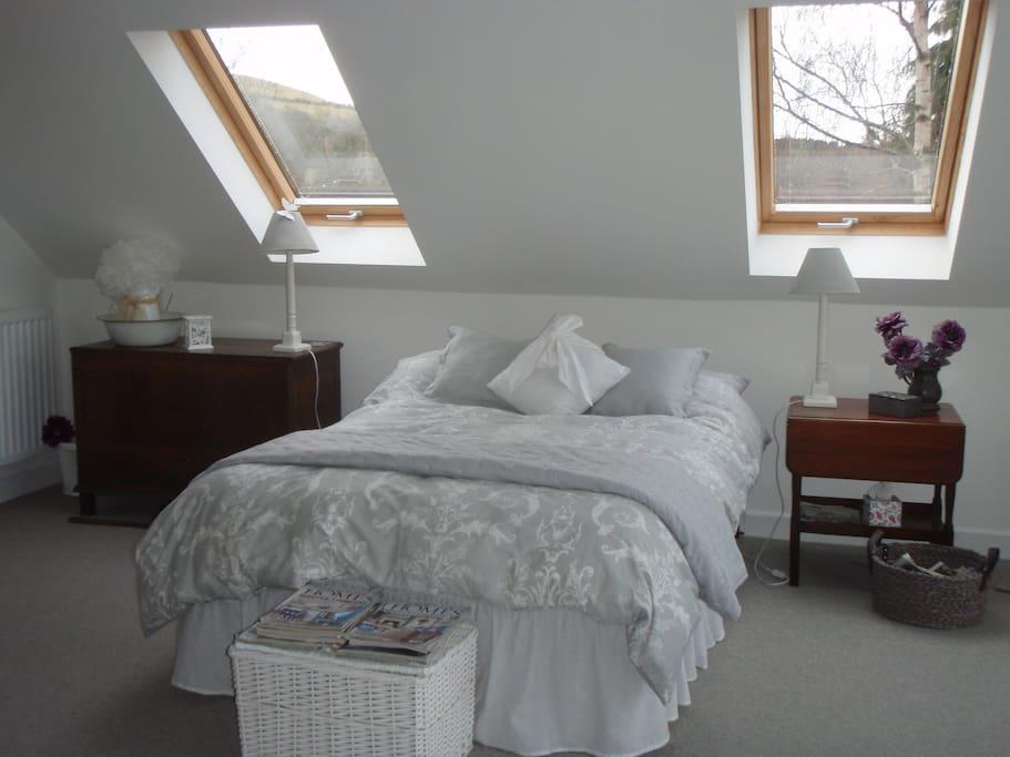 Light & spacious bedroom.