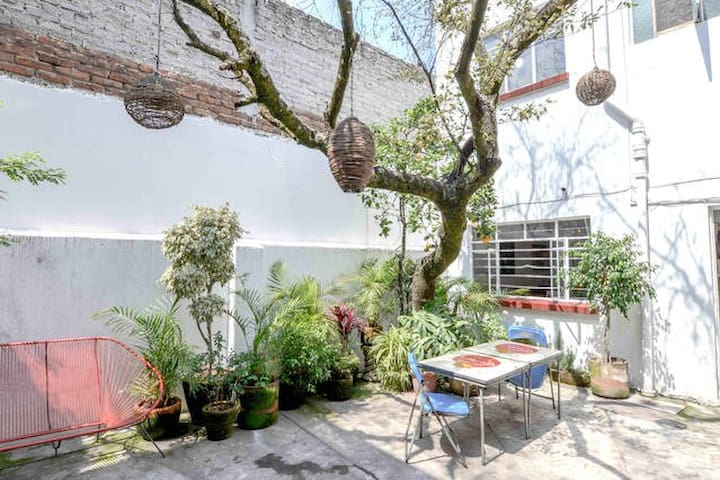 2 Rooms in nice house w backyard  - Mexico City - House