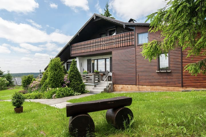Large holiday home with private sauna in the heart of the Thuringian Forest