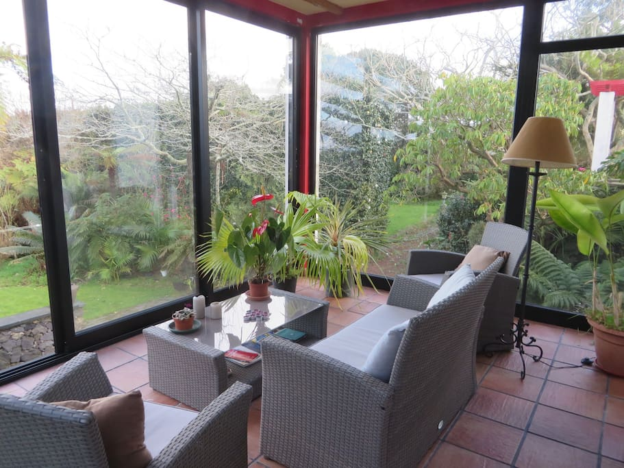 Sun Room:  Perfect year round for meals, tea, reading... Attached to the bedroom and overlooking the north gardens