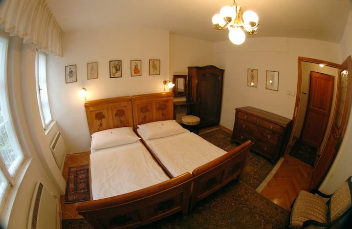 Family B&B room with breakfast under Prague Castle