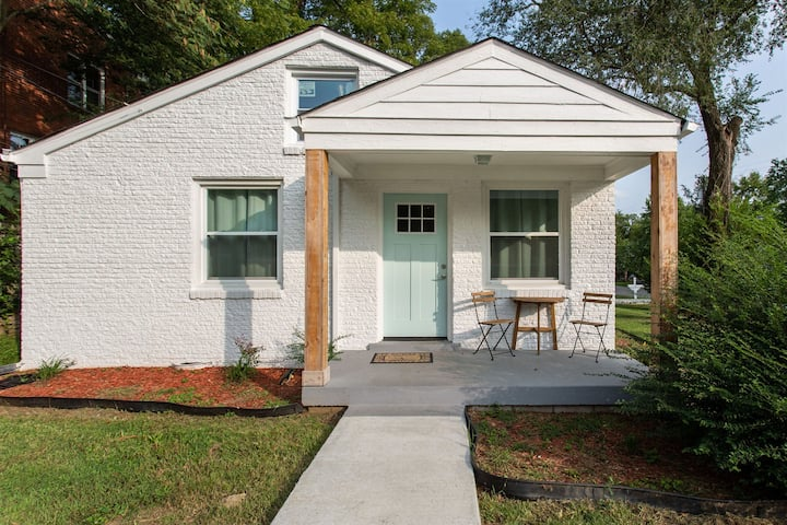 East Nashville Cozy Patio Home w/ Yard!