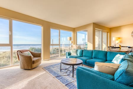 Seaside, dog-friendly condo with ocean views & shared hot tub!