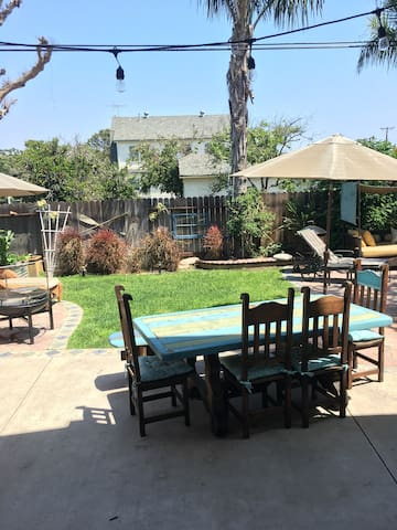 One mile from Disneyland, open floor plan - Garden Grove - Huis