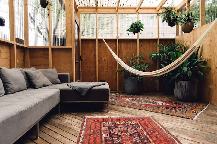 Brackish House: Garden Loft