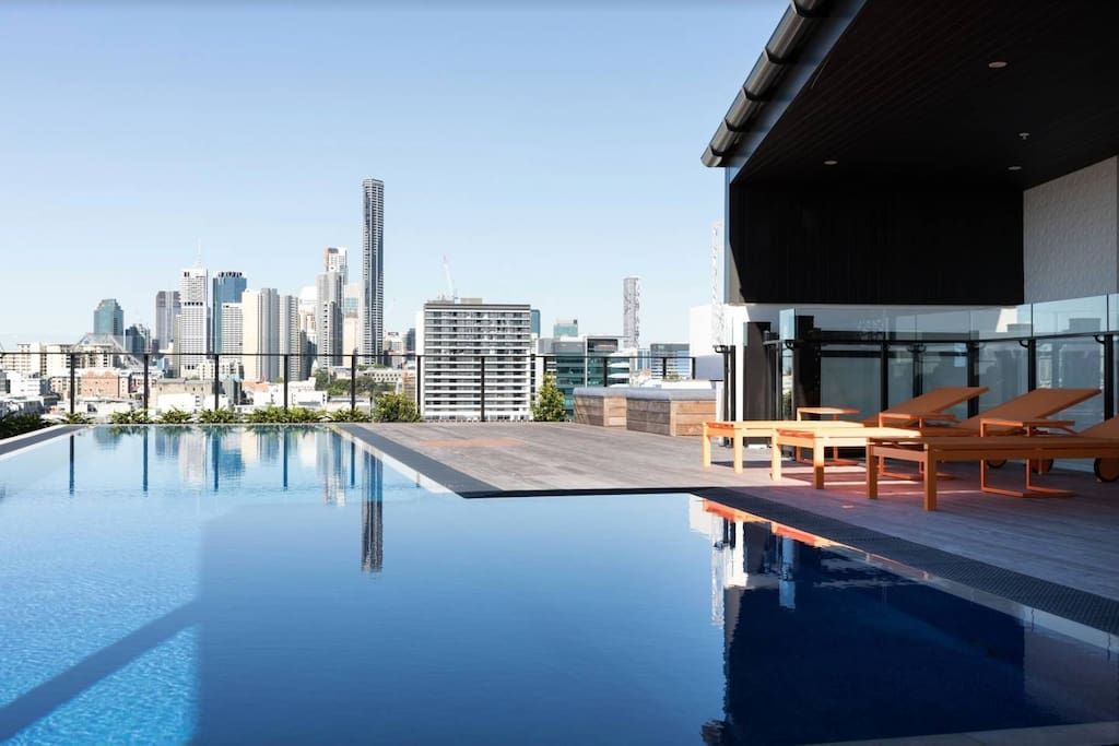 City views only 2kms from Brisbane's CBD.