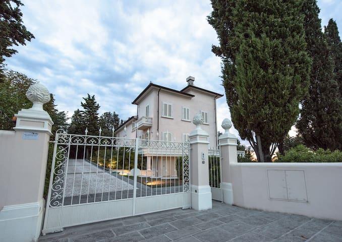 Luxury Villa Fiorentina