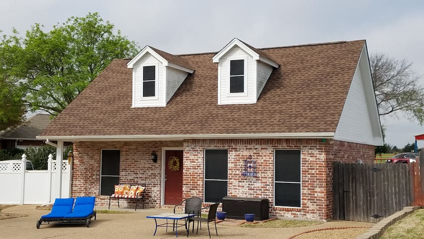 Relaxing Guest House close to Dallas and Ft. Worth - Midlothian
