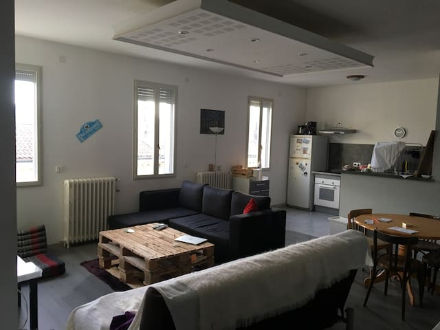 Appartement t3 90m2 bordeaux centre apartments for rent for Apartment design 90m2