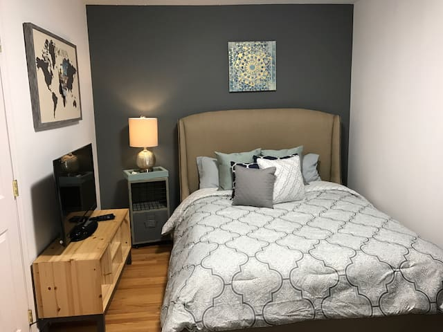 Cozy queen bedroom near Bear Mountain & USMA! - Fort Montgomery - Stadswoning