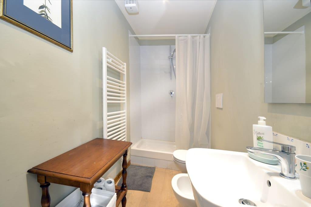 camera doppia centralissima bagno privato wifi
