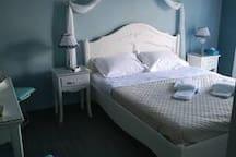 υπνοδωμάτιο με ένα διπλό
