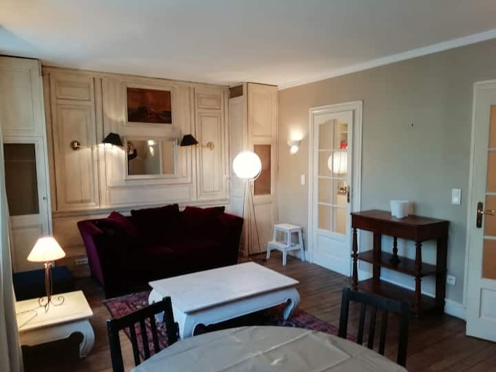 Charming, independent and quiet apartm, Fontainebl