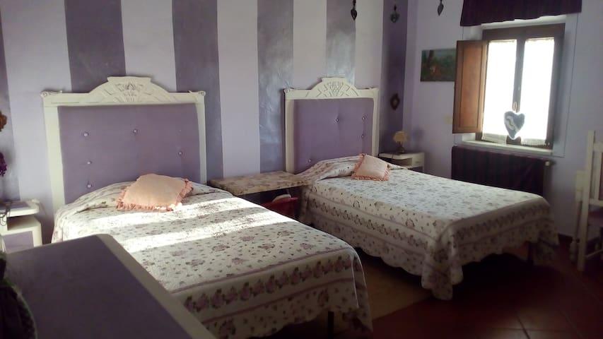 Camera con 2 letti da 120 cm e 1 da 80 cm