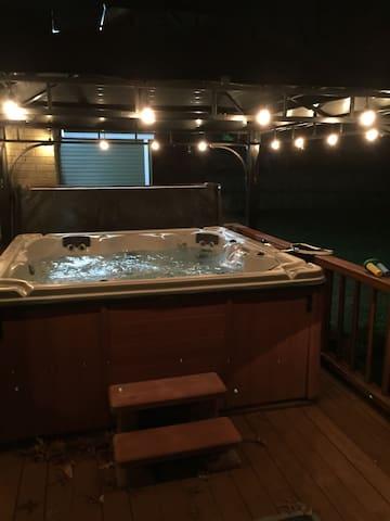 4Bed 3Bath House w/Hot Tub! - Nashville - Casa