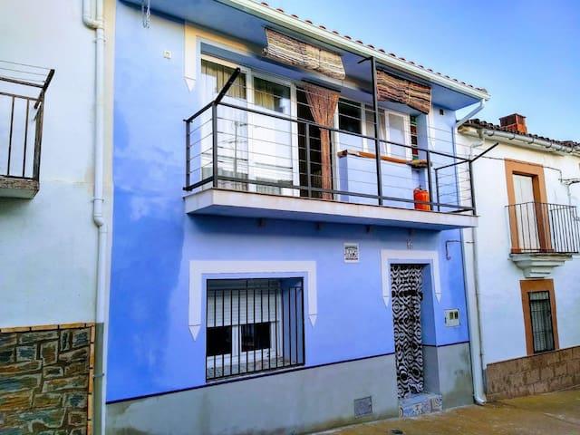 Descansa y descubre Extremadura en Casa Guadavilla