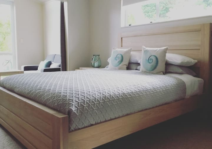 Waipu (sleeps 4) : Nightly Price is for two guests
