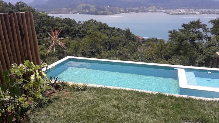Perfeito chalé com vista espetacular em Ilhabela