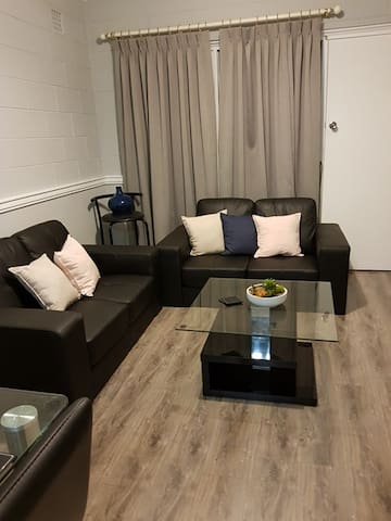Newly refurbished apartment, Davis St Norwood