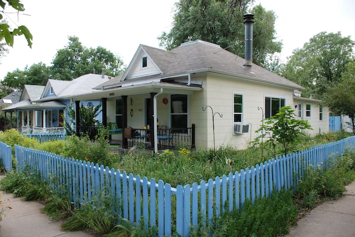 Downtown Boulder - Entire 3 bedroom house - Pet ok