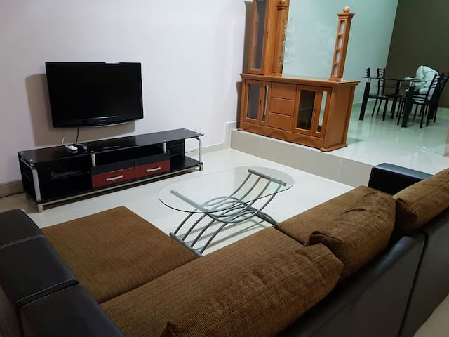 Good Location Double Storey Masai - Masai - บ้าน