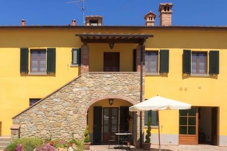 Relax & Любовь в Тоскане - бассейн - Castiglion Fibocchi