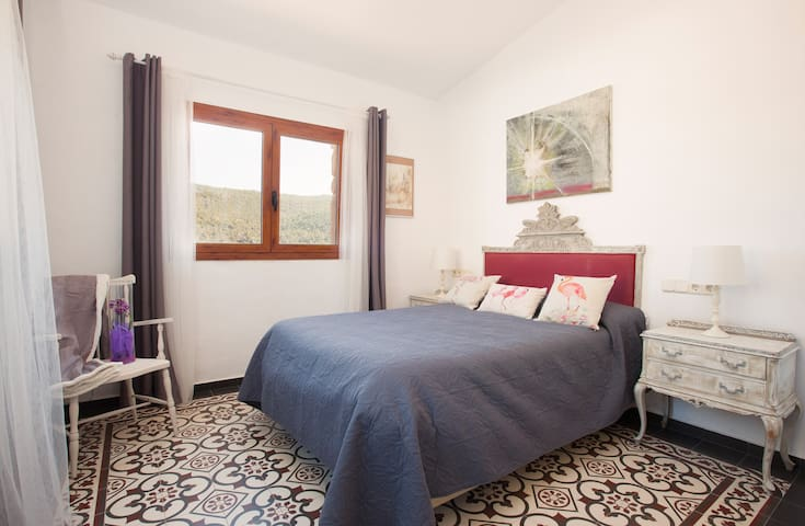 Boutique country house 1 hour from Barcelona - Rubió - Hotel boutique
