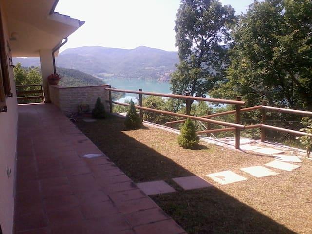 Villa panoramica indipendente - Colle di Tora