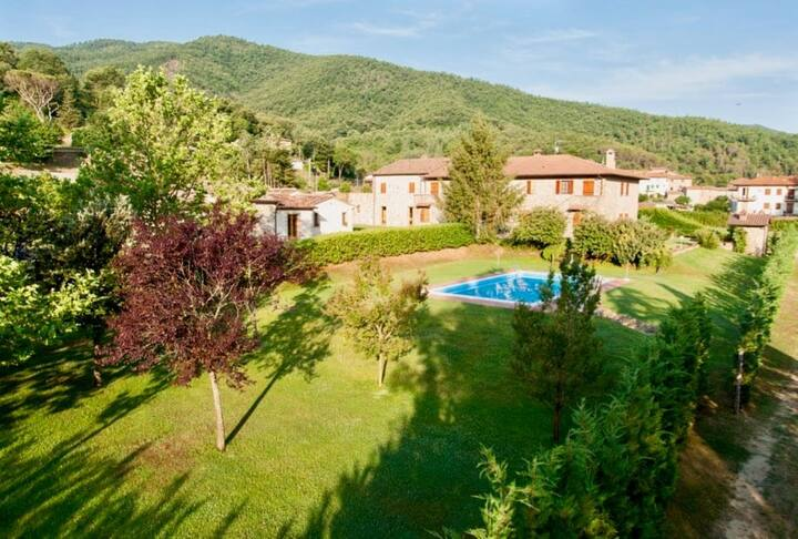 Agriturismo Niccone, apartments with spa and pool, Agriturismo Niccone private villa