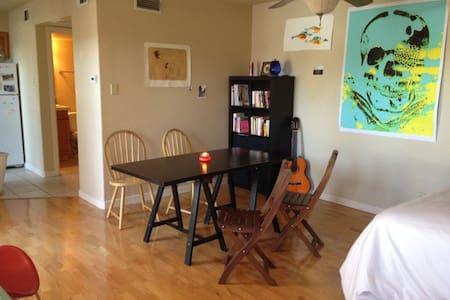 Cozy, new studio apartment