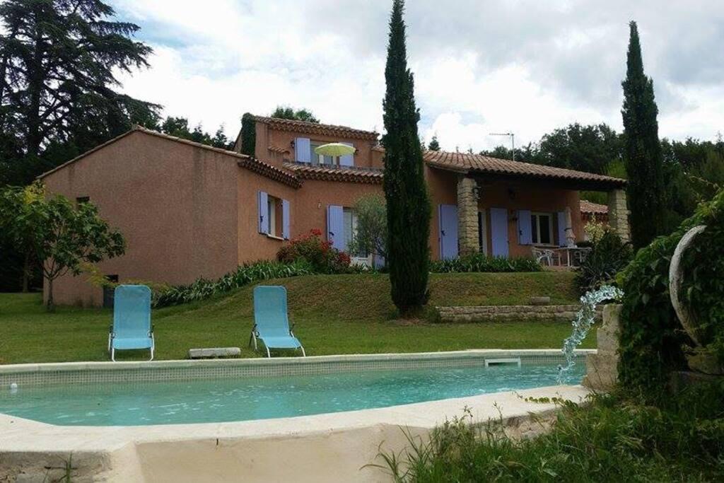 Chambre d 39 h te dans villa avec piscine villas louer - Chambre d hote marseille avec piscine ...