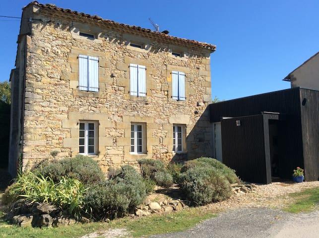 Maison ancienne rénovée + piscine - Cuq-Toulza