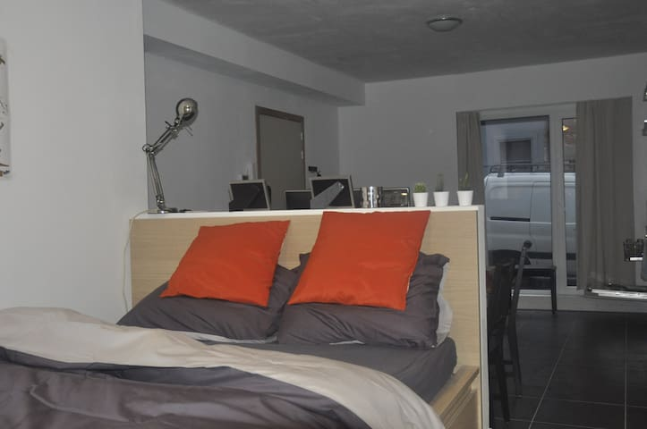 New modern studio - Gent - Apartment