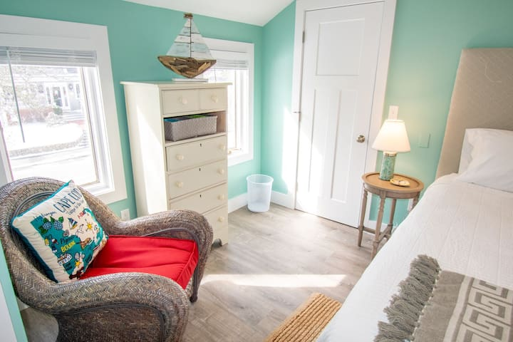 #620: FULLY Renovated, Best Main Street location, Central A/C, deck w/views!