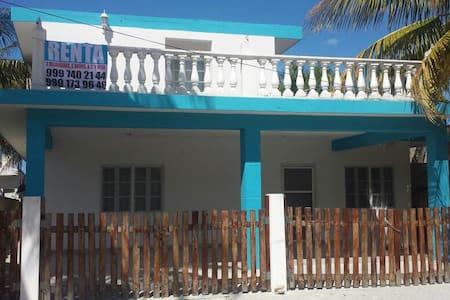 Comoda casa en la playa - House