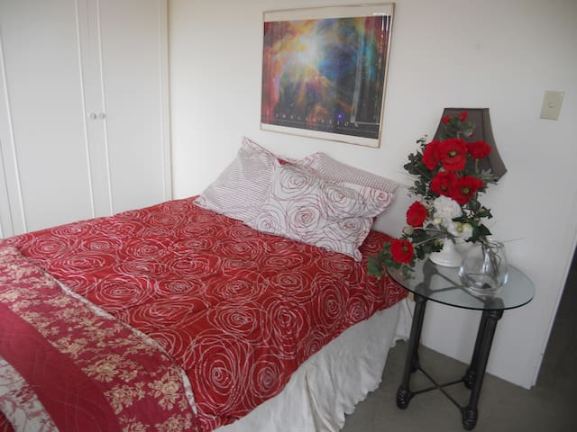 Comfortable room + ensuite in Manly - Manly - Apartament
