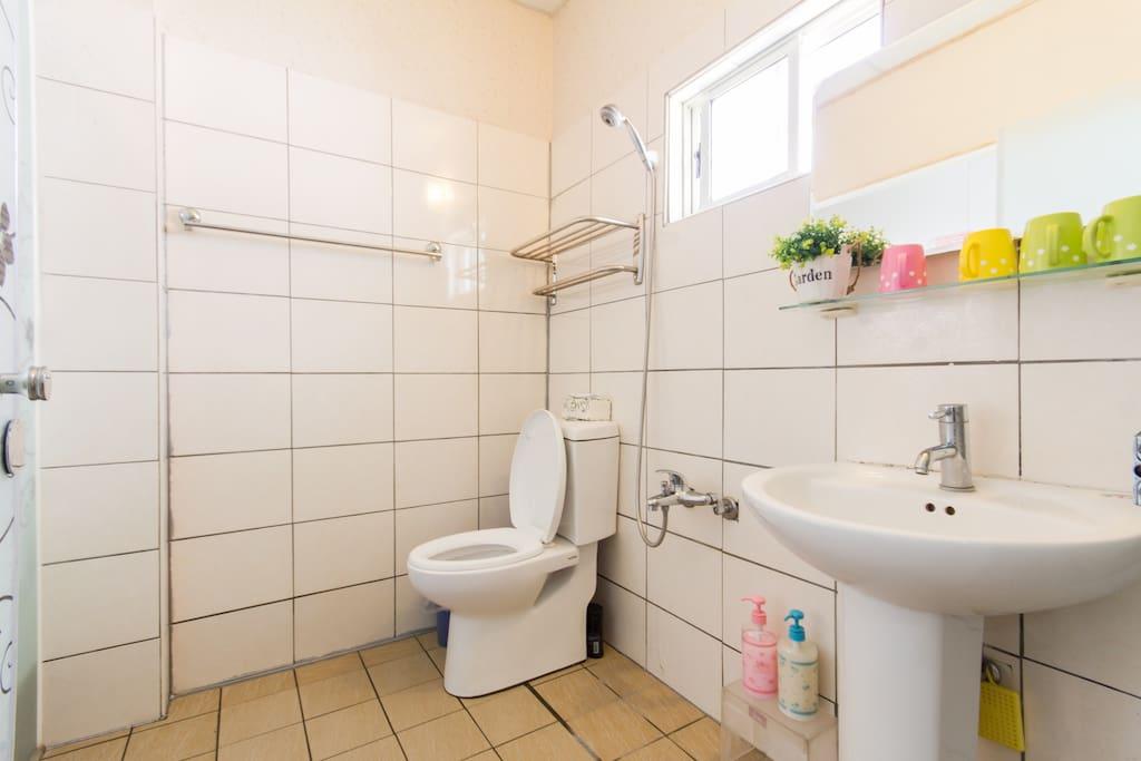 精緻四人房(A),浴室