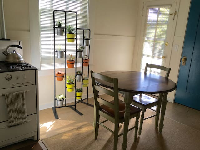 Jr One Bedroom Apartment Apartments For Rent In Berkeley California United States