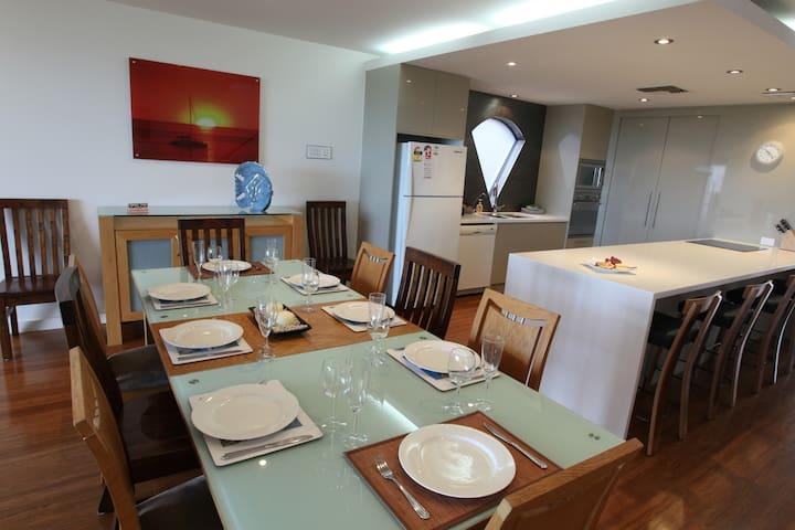 Adelaide Beaches Holiday Villas - West Beach