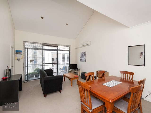 West Perth Room - Free Transport - West Perth - Daire